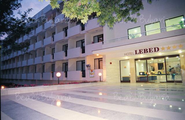 Хотел Лебед12