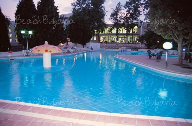 Хотел Лебед14