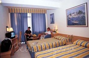 Хотел Лебед7