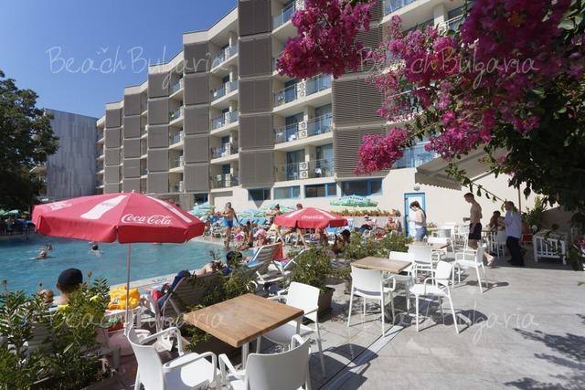 Хотел Славей2