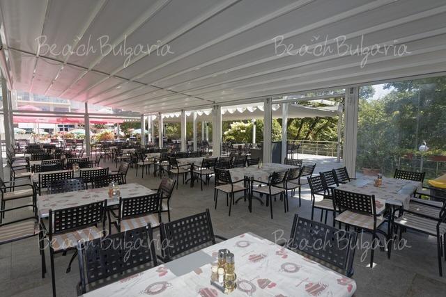 Хотел Славей19