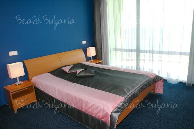 Хотел Биляна Бийч21