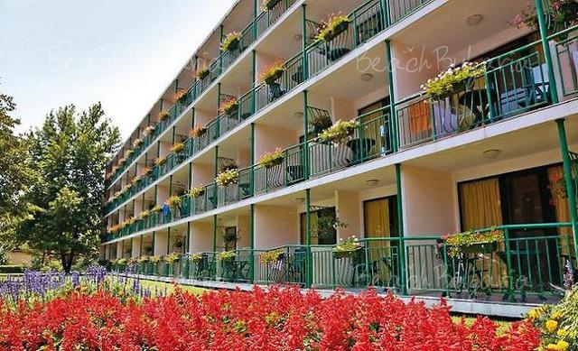 Хотел Тракия3