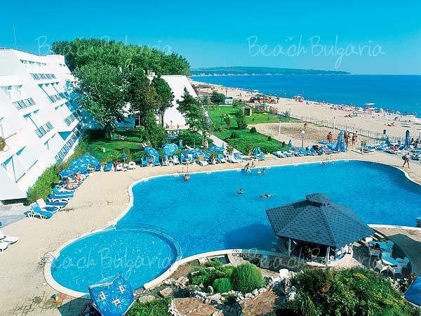 Хотел Сунео Хелиос Бийч2