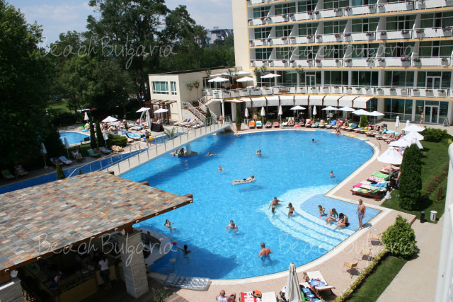 Гранд Хотел Оазис13