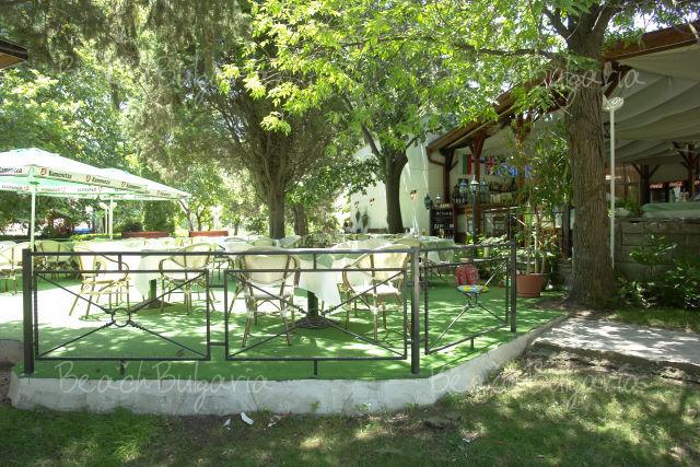 Хотелски комплекс Оазис18