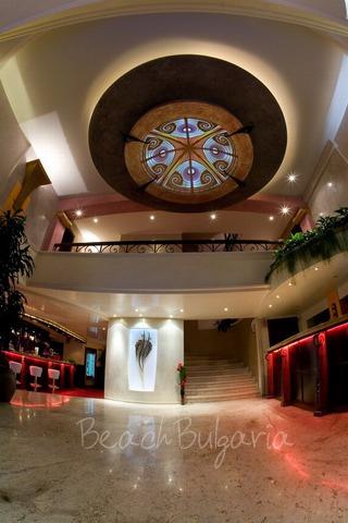 Хотел Капитол5