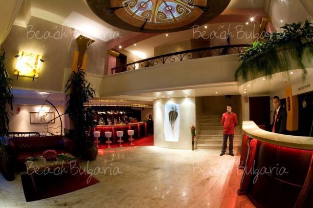 Хотел Капитол6