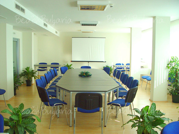 Хотел Аква13