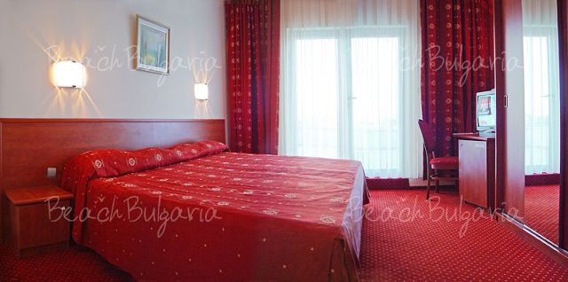 Хотел Аква5