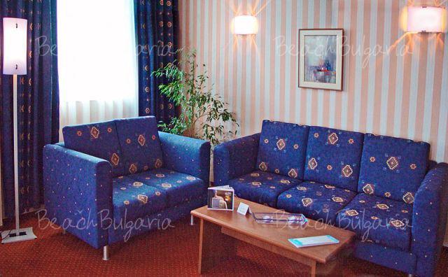 Хотел Аква7