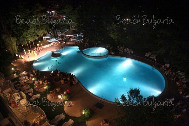 Хотел Корал28