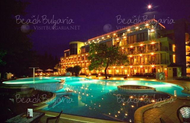 Хотел Корал33