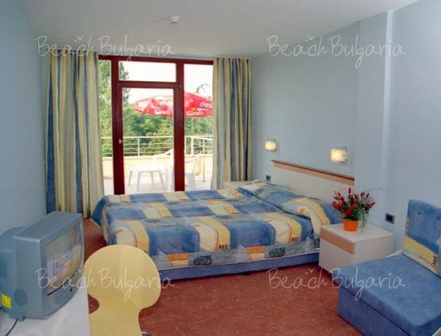 Хотел Корал10