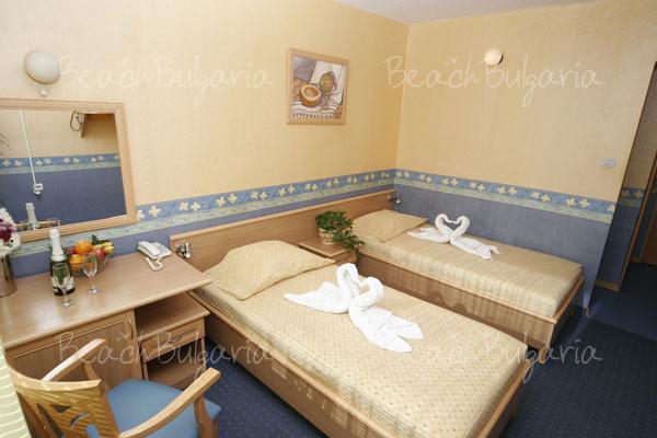 Хотел Бриз 29