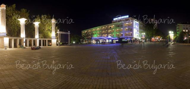 Хотел Одесос2