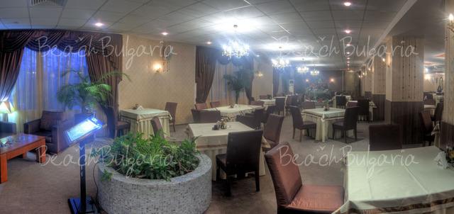 Хотел Одесос18