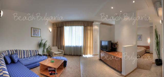 Хотел Одесос4