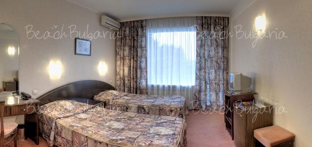 Хотел Одесос6