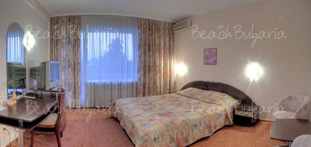 Хотел Одесос7
