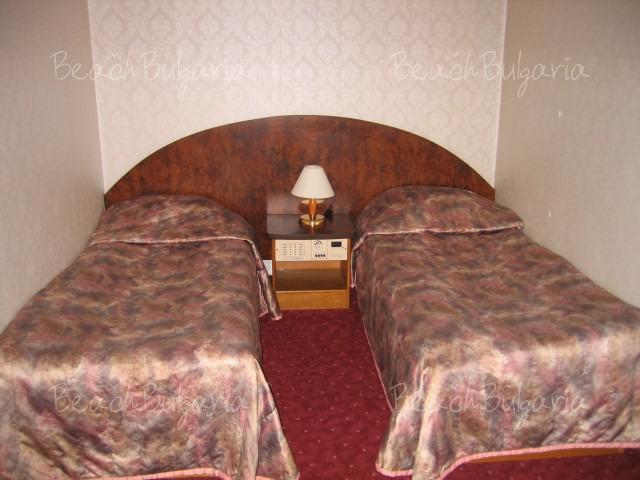 Хотел Одесос9