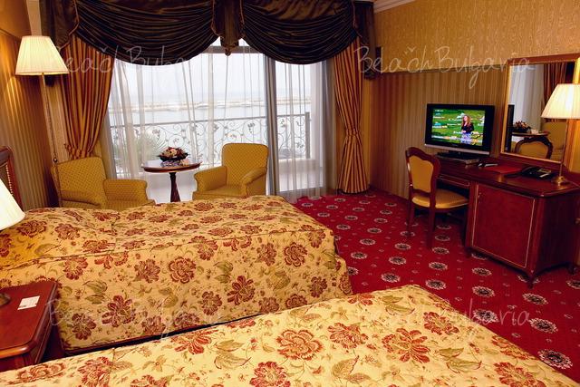 Хотел Палас Марина Диневи8