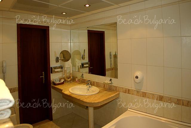 Хотел България11