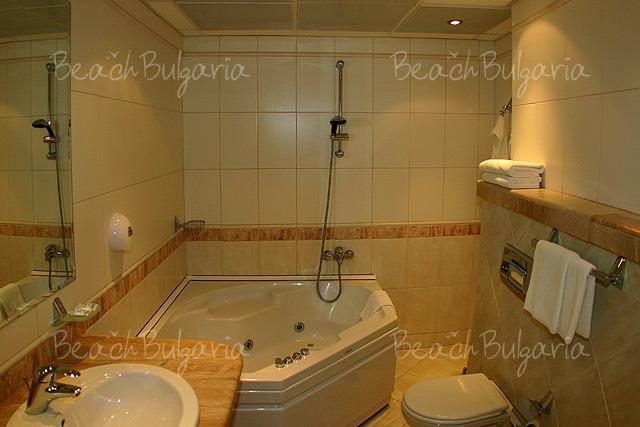 Хотел България12
