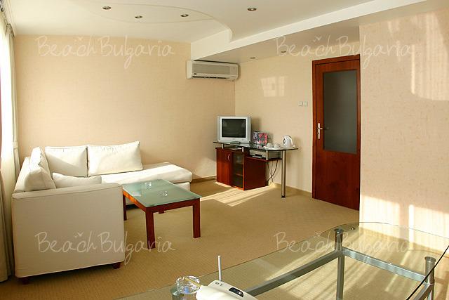 Хотел България6
