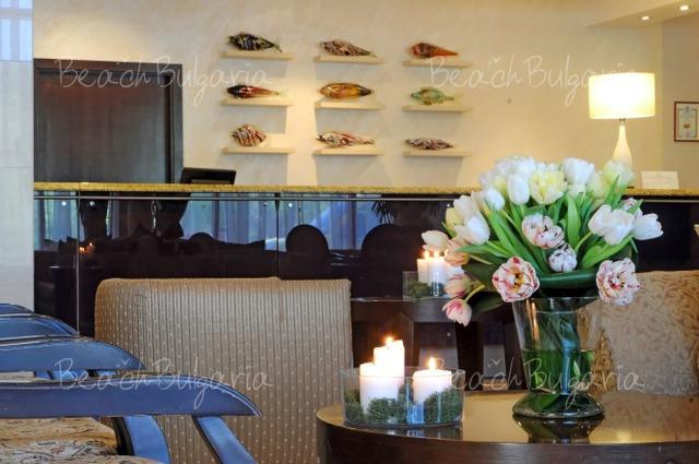 Хотел Doubletree by Hilton Varna2
