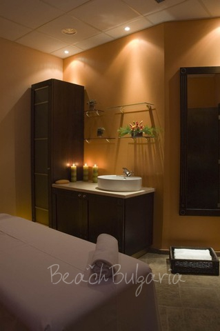 Хотел Doubletree by Hilton Varna16