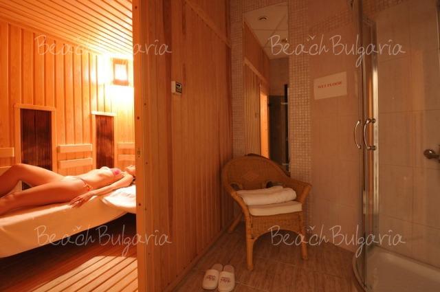 Хотел Doubletree by Hilton Varna18