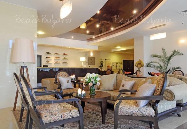 Хотел Doubletree by Hilton Varna3
