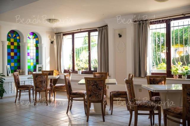 Семеен Хотел Виктория4