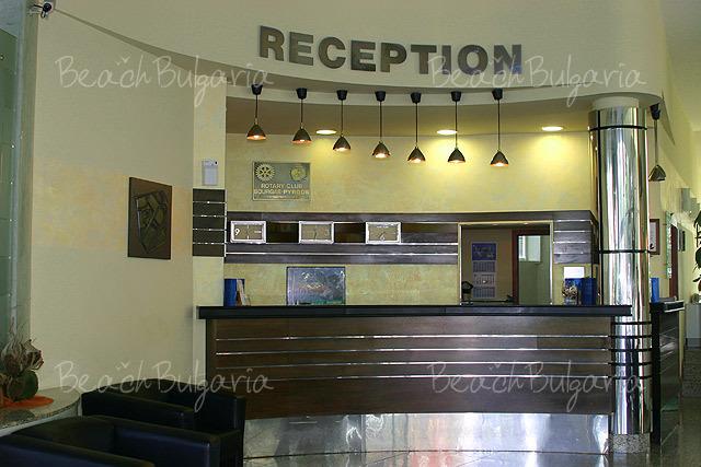 Хотел Мираж 2