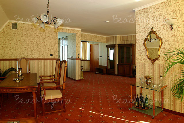 Хотел Мираж 11