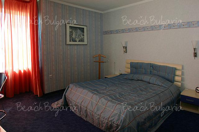 Хотел Мираж 14