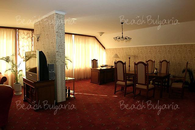 Хотел Мираж 7