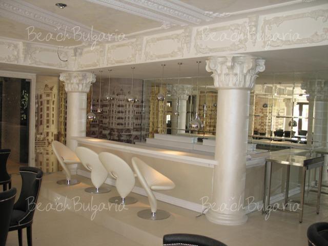 Хотел Роял Касъл22