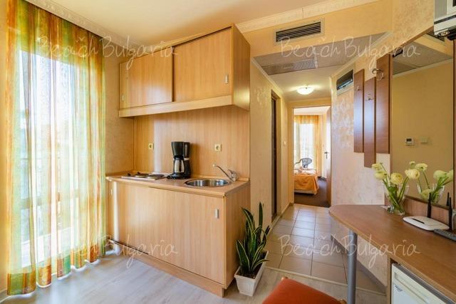Хотел Зевс12