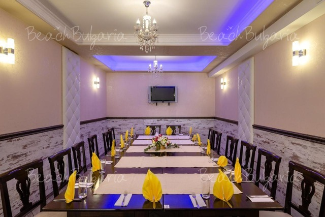 Хотел Зевс8