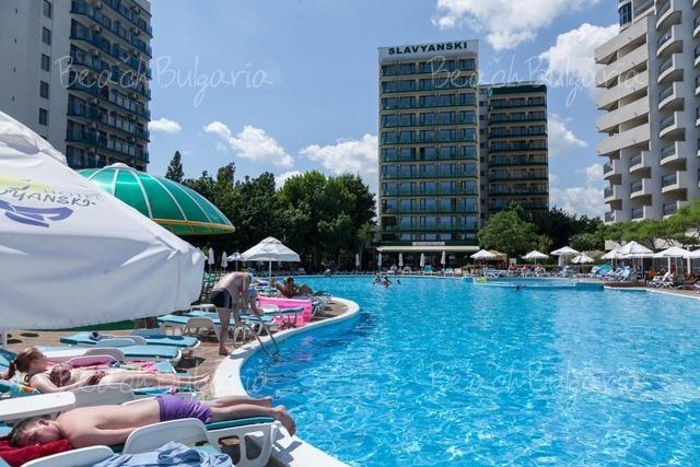 Хотел Славянски