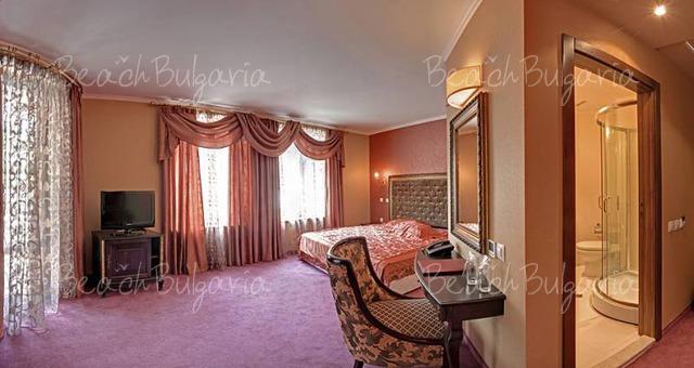Хотел Кристел10