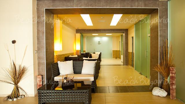 Хотел и SPA Азалия12