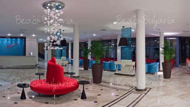 Хотел и SPA Азалия4