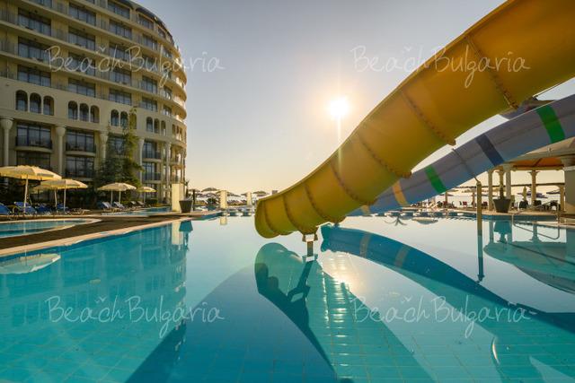 Хотел и SPA Азалия32