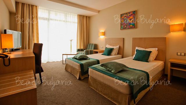 Хотел и SPA Азалия6
