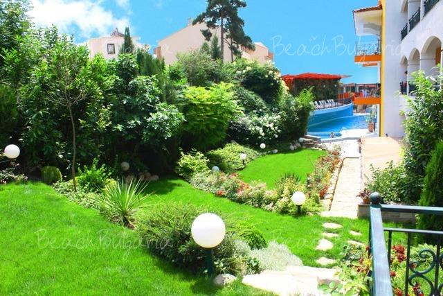 Хотел Кипарисите4