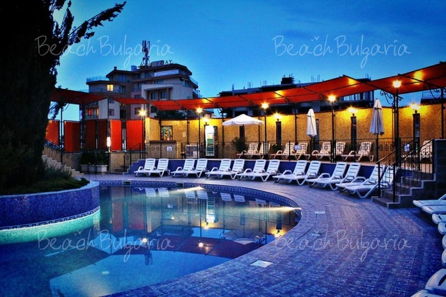 Хотел Кипарисите5