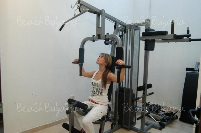 Хотел Кипарисите8